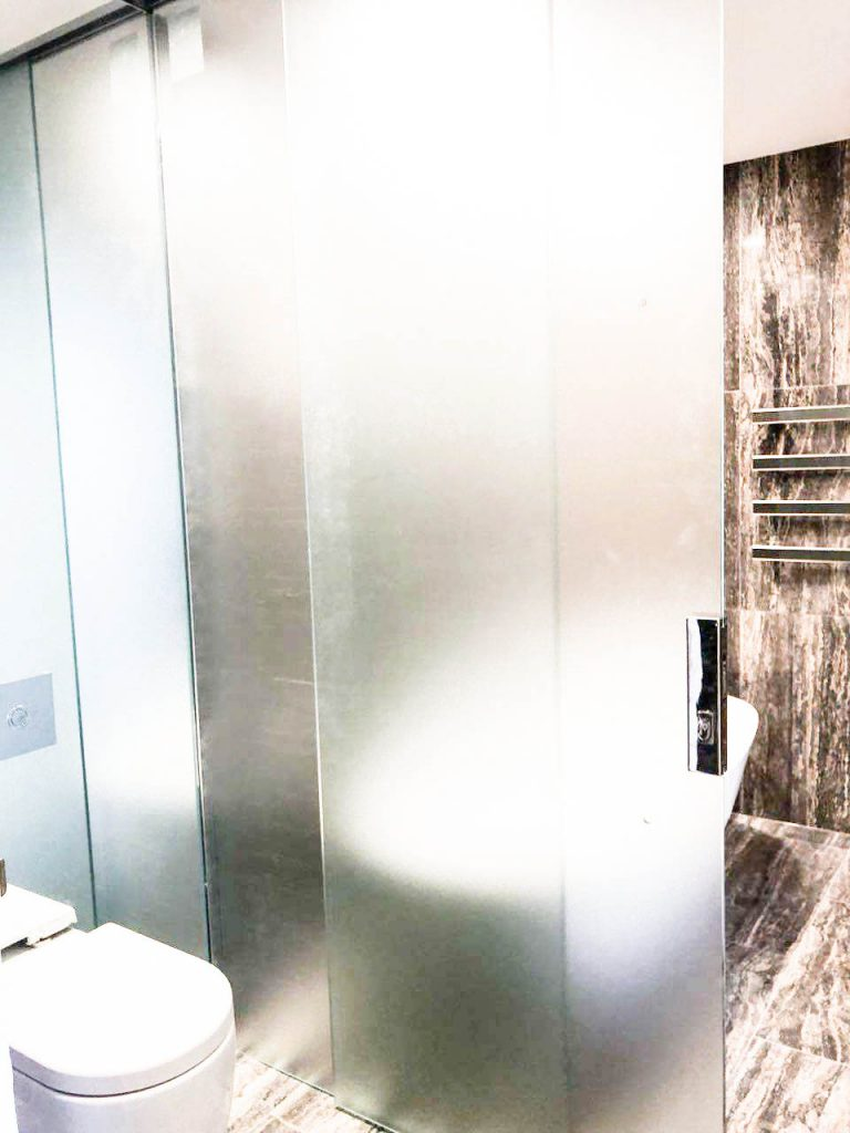 Frameless Acid Etched T-Screen for Shower & Toilet Area