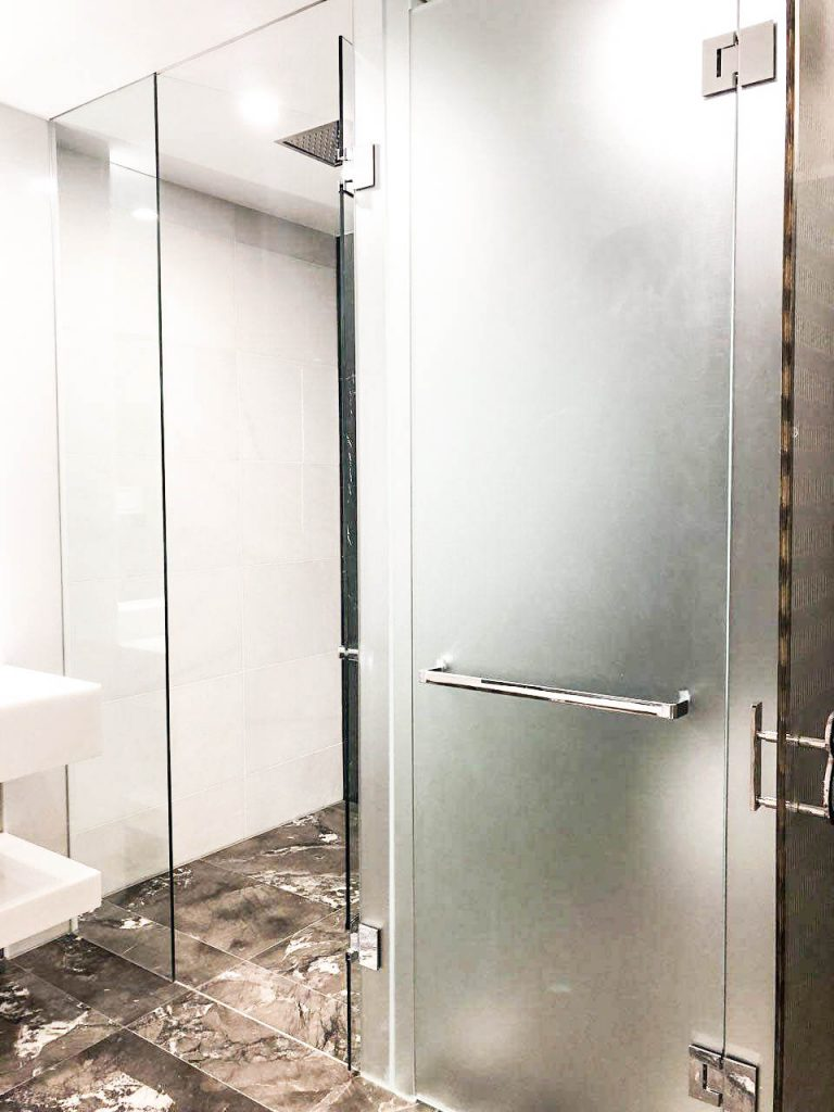 Frameless Clear & Acid Etched T-Screen for Shower & Toilet Area