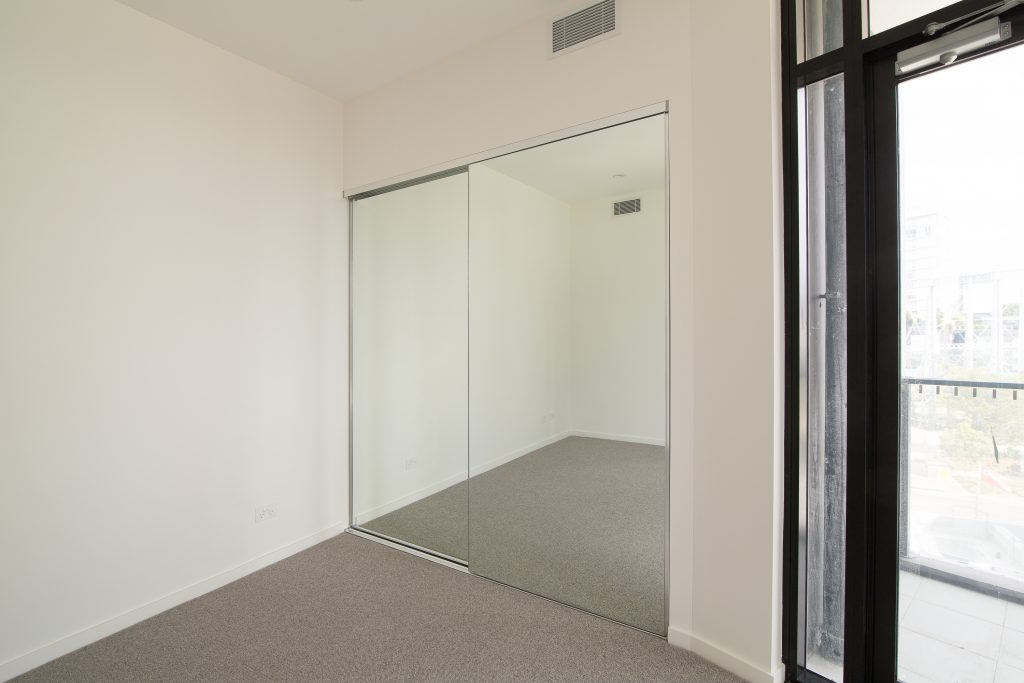 Frameless Mirror Robe Doors with Polished Silver Tracks & Handles