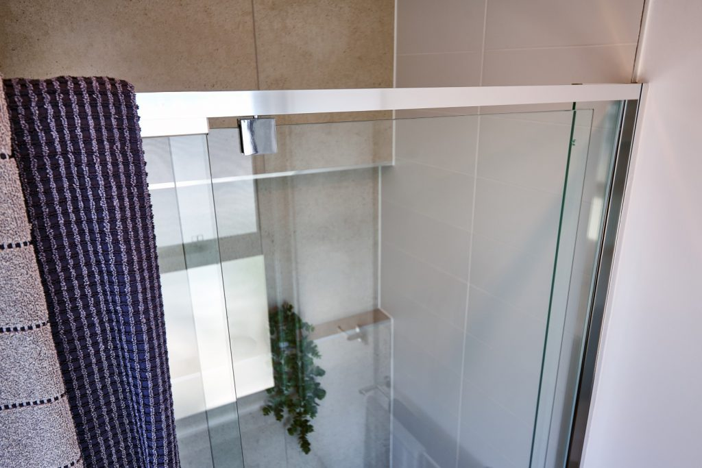 Semi-Frameless (Polished Silver) Shower Screen with Polished Silver Pivot