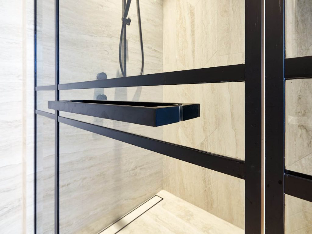 Black Handle Installed On Shower Screen