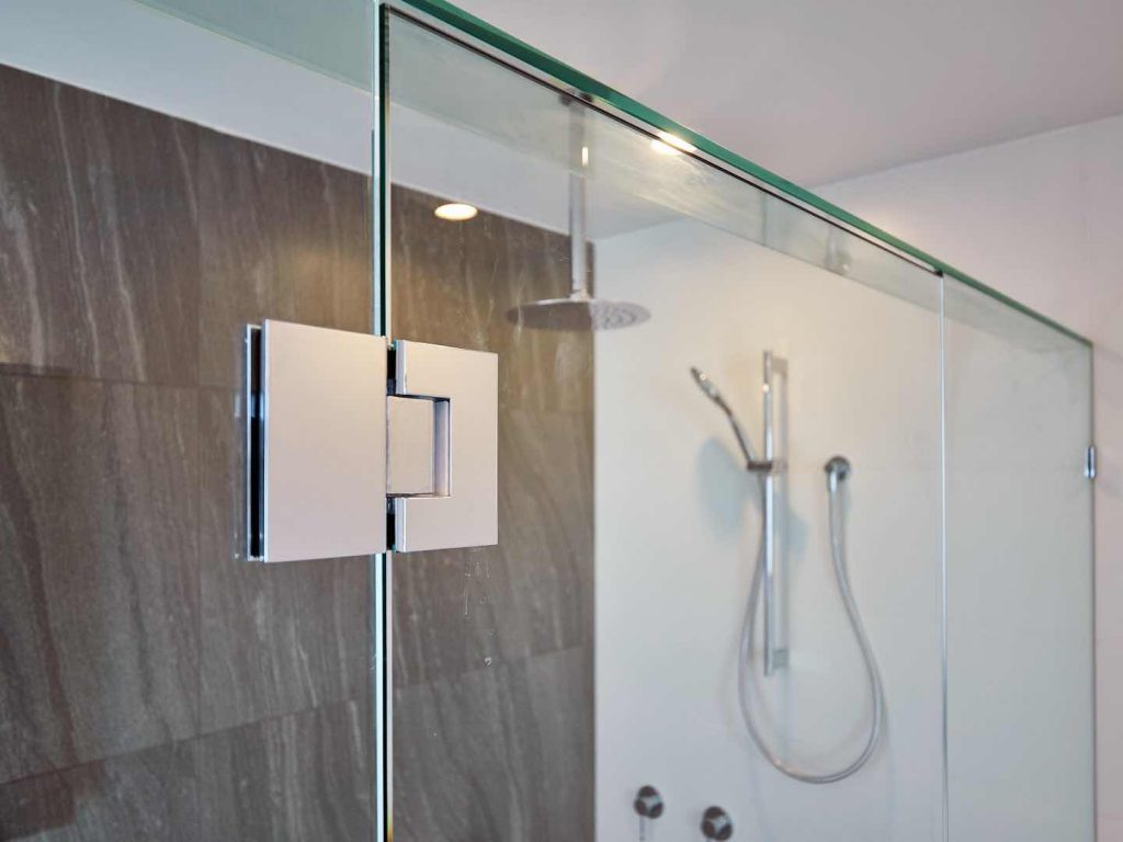 Frameless Shower Screen With Polish Silver Hinge